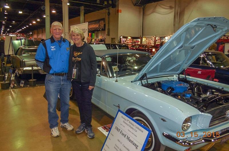 Gail et Tom participent régulièrement à des rassemblements et concours avec leur Mustang 65 exceptionnelle