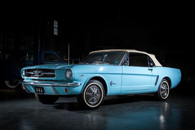 """La Mustang de Rob Hermann en excellent état est présentée à l'exposition """"Pony Cars: Then and Now"""" du 8 avril jusqu'en octobre 2017 au musée Allentown's America on Wheels."""