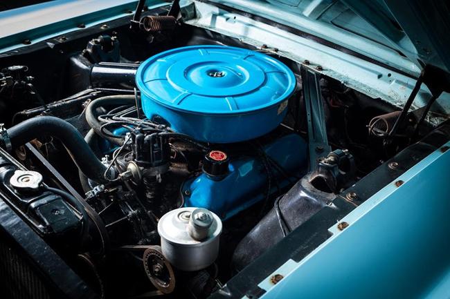 Le compartiment moteur est très bien entretenu.