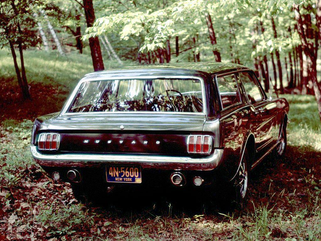 La Mustang Wagon vue arrière