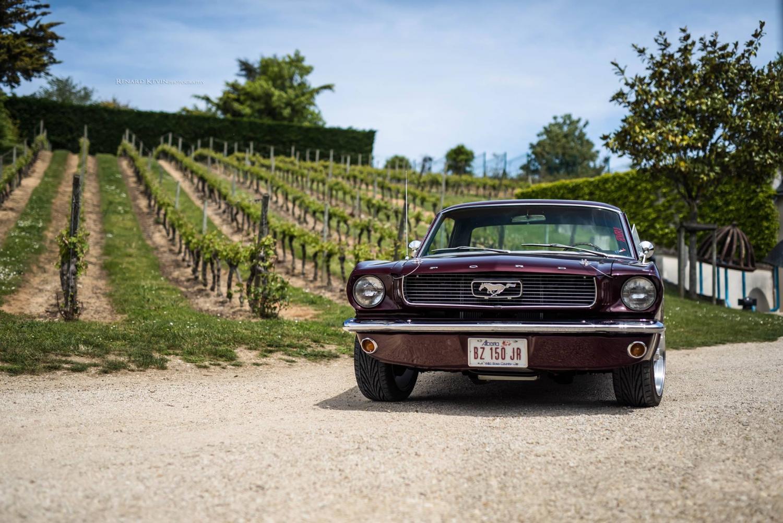 Cette Burgundy est faite pour rouler au milieu des vignobles